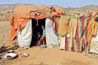سرقة المساعدات اليمنية يكشف الوجه القبيح لميليشيات إيران