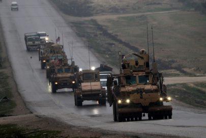ترامب يهدد بتدمير تركيا حال استهدفت الأكراد