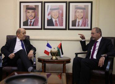 لودريان يؤكد تمسك باريس بالتسوية السياسية للأزمة السورية