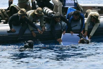 انتشال الصندوق الأسود الثاني للطائرة الإندونيسية المحطمة
