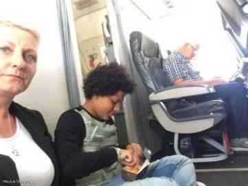 عائلة صعدت للطائرة ولم تجد مقاعدها