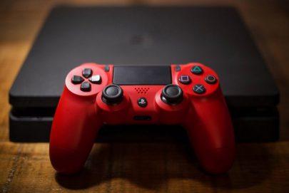 Sony تفكر في الاستحواذ على استوديوهات تطوير الألعاب لمواجهة خطر المنافسة