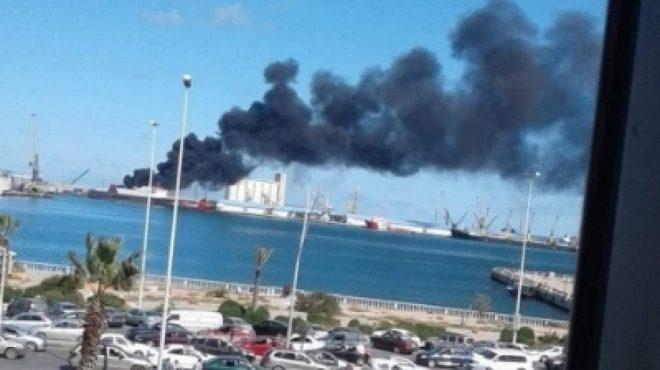 الجيش الليبي يدمر سفينة أسلحة تركية في ميناء طرابلس