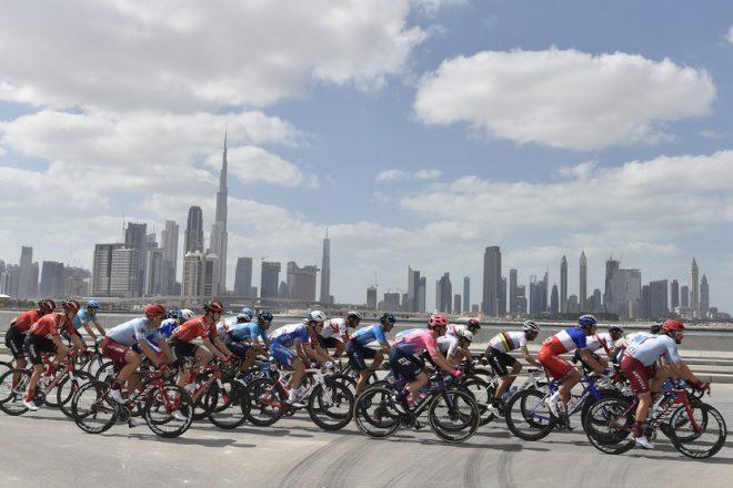 طواف الإمارات ينطلق من دبي غداً بمشاركة 20 فريقاً