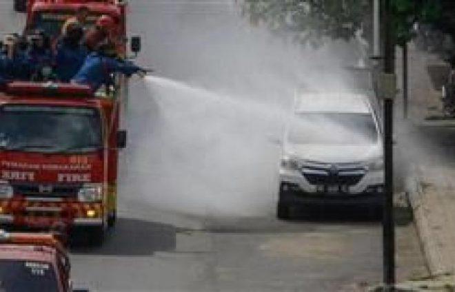 إندونيسيا تفرض الإغلاق على 30 مليون شخص للحد من كورونا