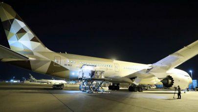 """الإمارات ترسل طائرة مساعدات إلى إيطاليا لدعمها في مواجهة """"كورونا"""""""