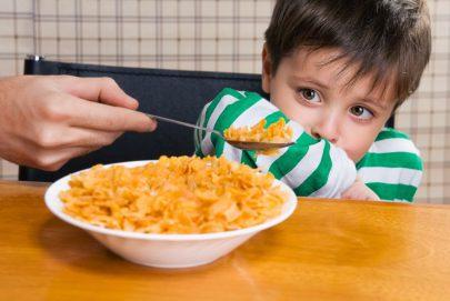 دراسة أمريكية بشأن إرضاء الطفل عند تناول الطعام