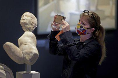 متاحف توثق مشاهد الحياة في ظل الإغلاق