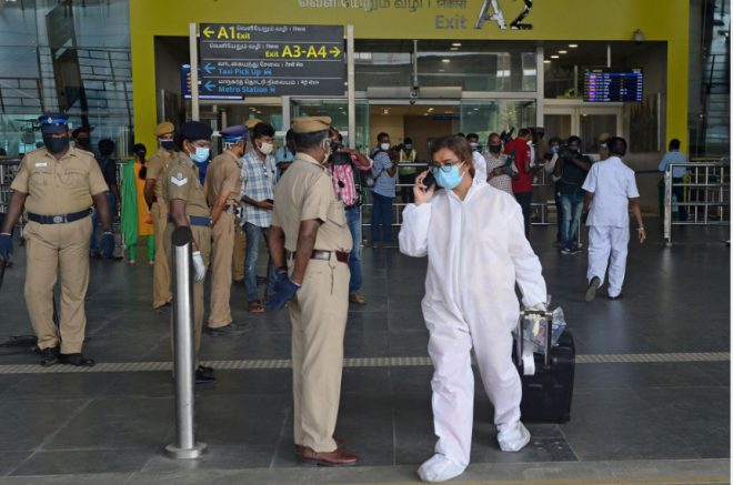ازدحام في المطارات الهندية بعد استئناف الرحلات الداخلية
