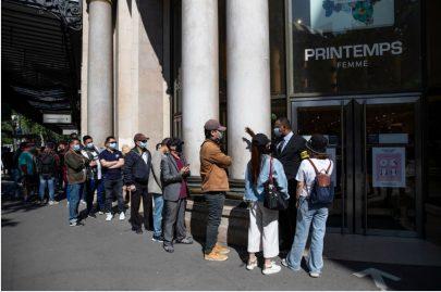 فرنسا تستعد لمرحلة جديدة من تخفيف قيود