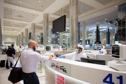 دبي ترحب بالسياح وعودة شركات الطيران الأجنبية
