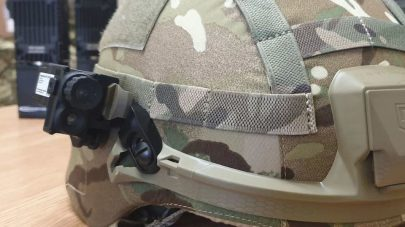 بريطانيا تجرّب خوذة عسكرية مزودة بكاميرا متطورة