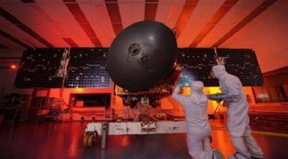 """إنجاز وضع """"مسبار الأمل"""" داخل كبسولة وتثبيتها أعلى صاروخ الإطلاق بنجاح"""