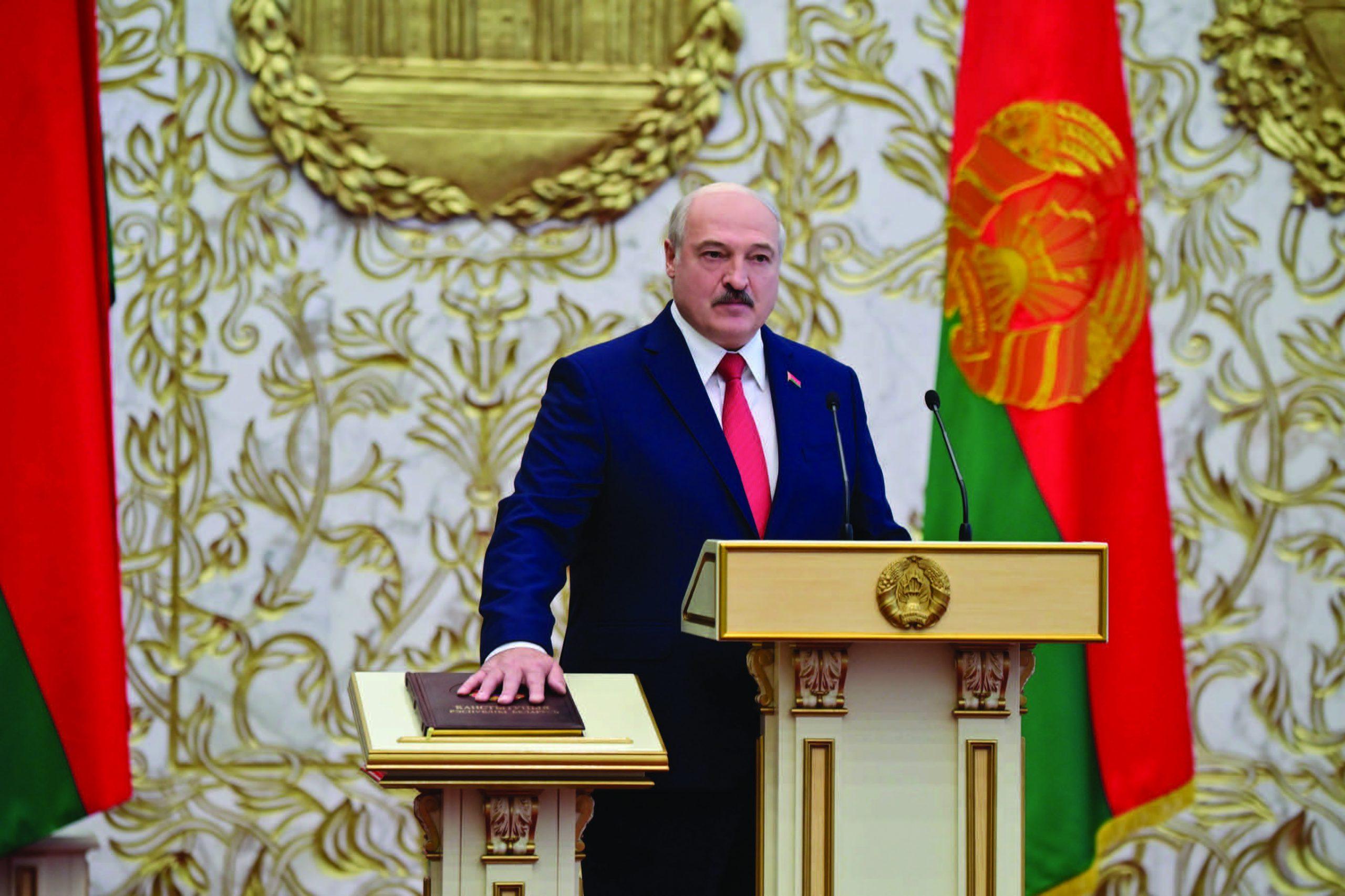 رئيس بيلاروس يؤدي اليمين بمراسم سرية لولاية سادسة