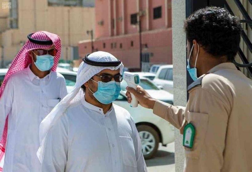 عزل للمعتمرين القادمين من خارج السعودية