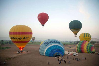 عودة البالونات الطائرة إلى سماء الأقصر