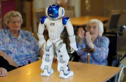 """عزلة """"كورونا"""" تزيد الطلب على روبوتات المرافقة المنزلية"""