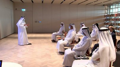 سلطان بن أحمد القاسمي يبحث خطط ومشاريع
