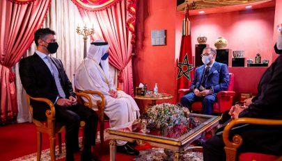 ملك المغرب وعبدالله بن زايد يبحثان العلاقات الأخوية وتعزيز التعاون
