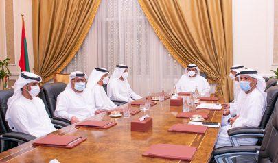 ولي عهد الفجيرة يؤكد توفير كافة التسهيلات المناسبة لتنفيذ خطط عمل وزارات الدولة في الإمارة