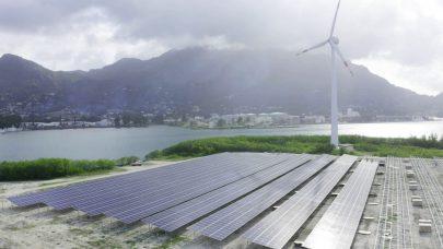 """""""أبوظبي للتنمية"""" يمول 90 مشروعاً للطاقة المتجددة بـ4.7 مليار درهم"""