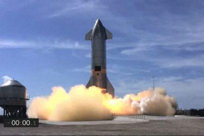 """نموذج أولي من صاروخ """"سبايس إكس"""" الفضائي ينفجر على الأرض بعد دقائق من هبوطه"""