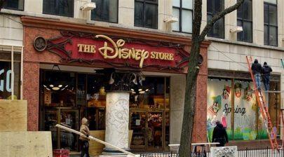 """""""ديزني"""" تغلق 60 متجراً في أمريكا الشمالية وتطوّر مبيعاتها عبر الإنترنت"""