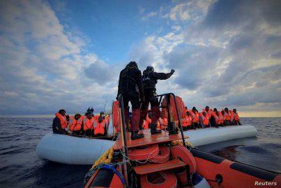 إنقاذ 104 مهاجرين قبالة السواحل الليبية