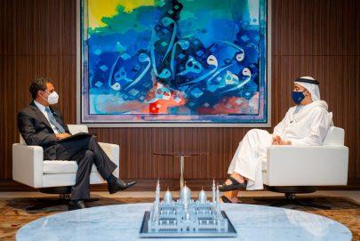 عبدالله بن زايد يستقبل مدير عام