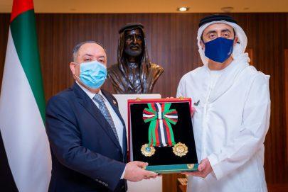 رئيس الدولة يمنح سفير الأردن وسام الاستقلال من الطبقة الأولى