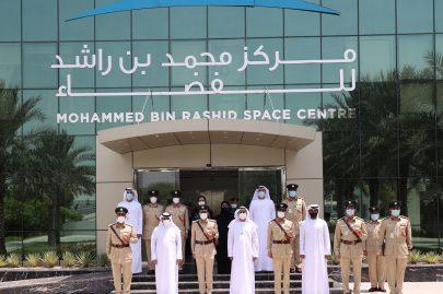 قائد عام شرطة دبي يزور مركز محمد بن راشد للفضاء