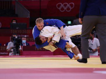 ايفان يخسر مع بطل كندا في أولمبياد طوكيو ويودع منافسات الجودو