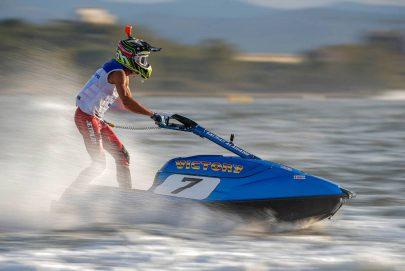فيكتوري يظفر بلقب واقف في بطولة العالم للدراجات المائية