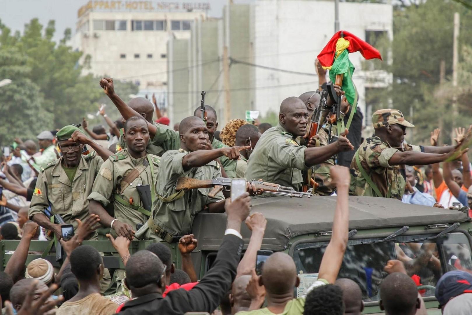 مجلس الأمن يضغط نحو سلطة مدنية في مالي