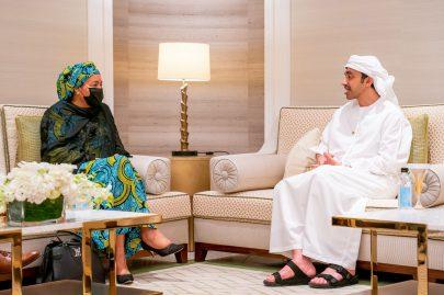 عبدالله بن زايد يبحث تعزيز التعاون مع نائبة الأمين العام للأمم المتحدة في