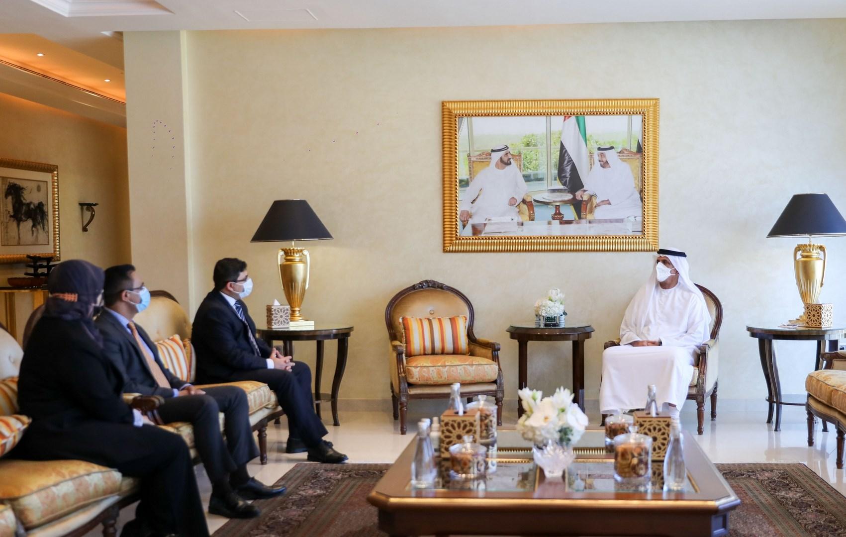 حاكم رأس الخيمة يستقبل القنصل الباكستاني ويشيد بعلاقات الصداقة بين البلدين